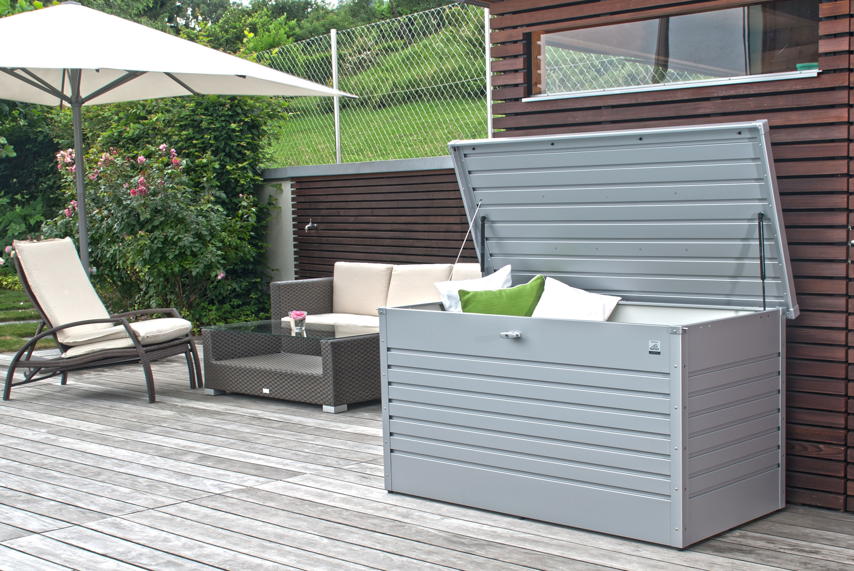 gartenbox auflagenbox biohort freizeitbox 160 weiss bei. Black Bedroom Furniture Sets. Home Design Ideas
